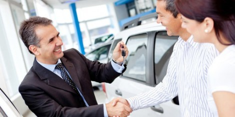 rsz_happy-car-salesman-closing-deal